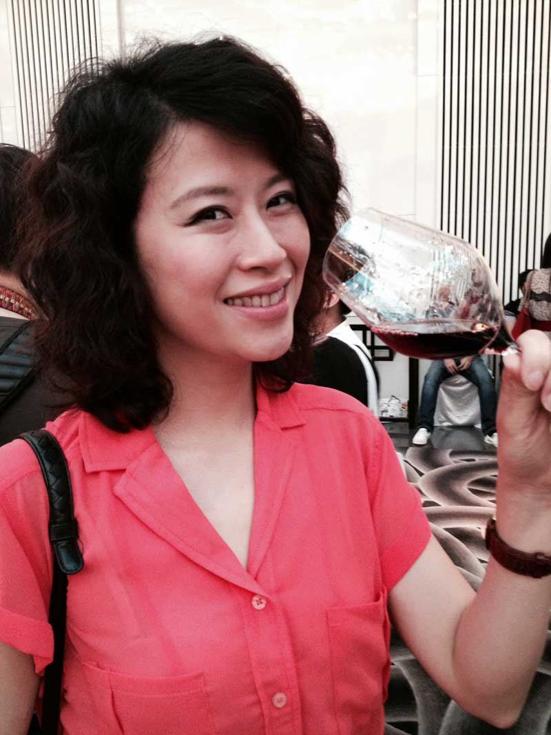 Enjoying her Esser Pinot Noir at the Guangzhou tasting
