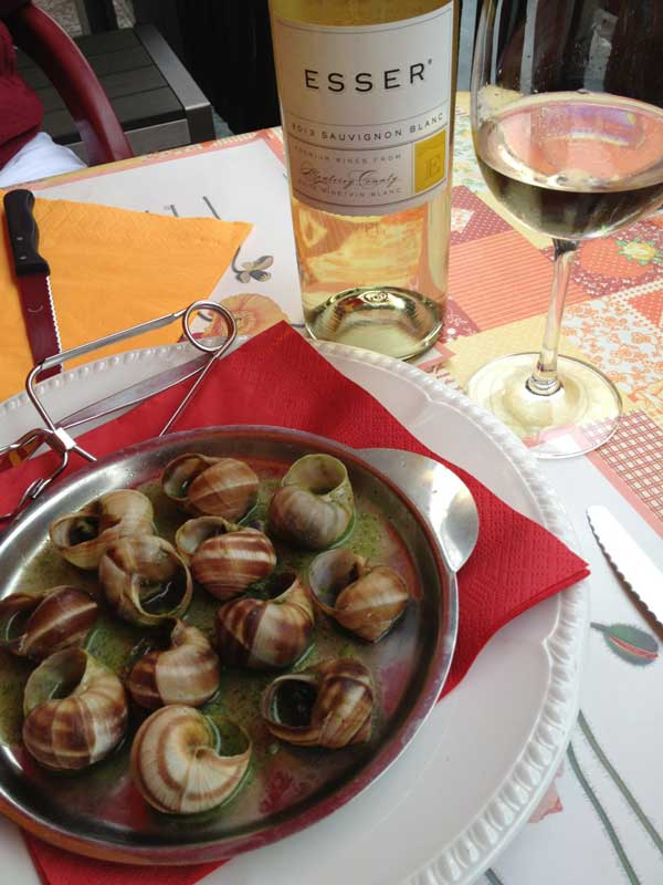 Escargot Bourgogne with Esser Sauvignon Blanc at the Grotto Ticino in Valla Verzasca.